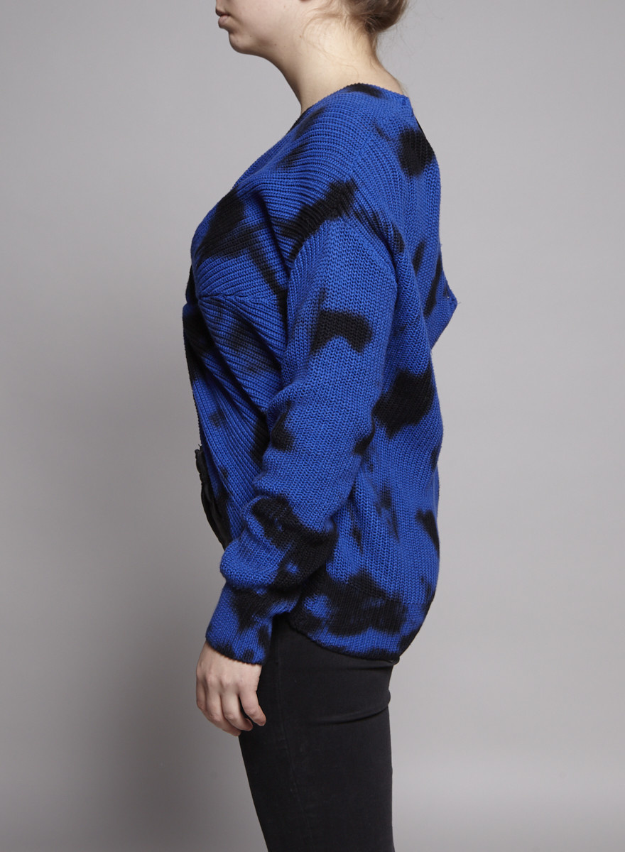 Elan BLUE & BLACK SWEATER - NEW WITH TAG