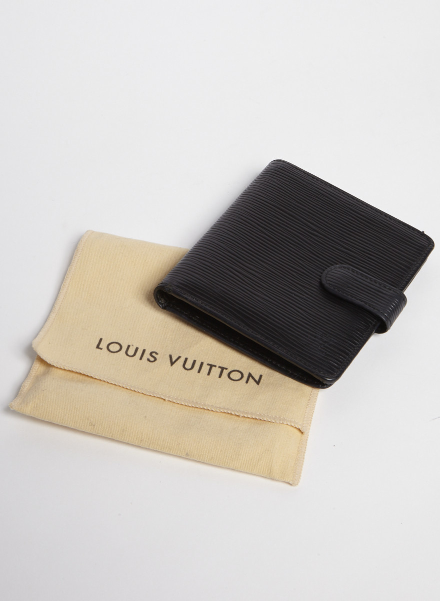 Louis Vuitton Portefeuille noir en cuir Épi