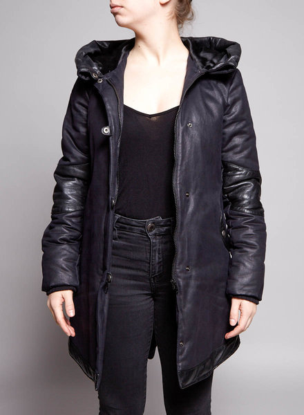 Cokluch BLACK COAT