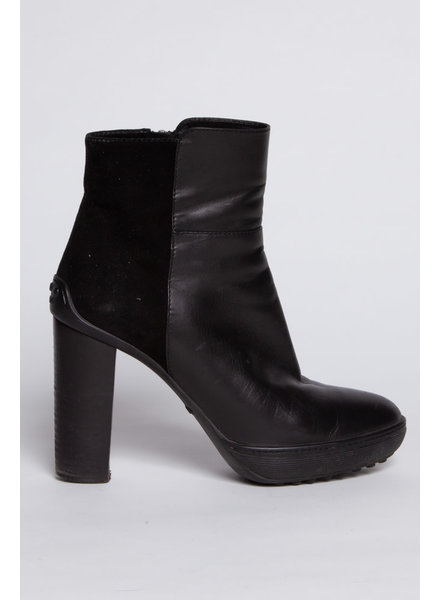 TOD'S SALE (WAS 180$) BLACK BOOTS