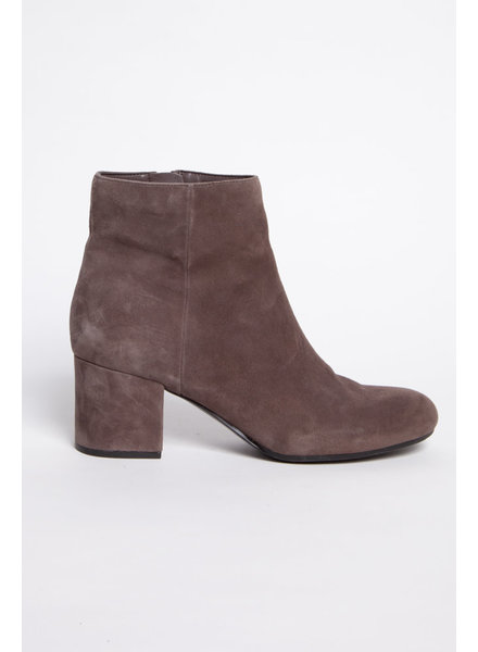 Marc Fisher TAUPE SUEDE BOOTS