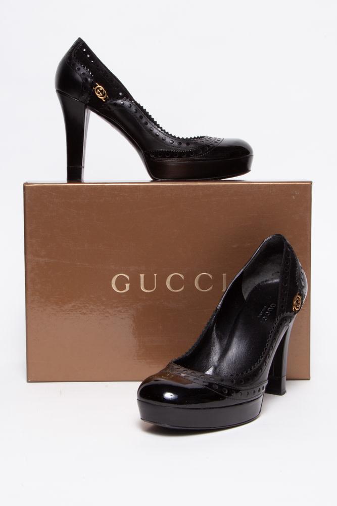 Gucci Escarpins noirs en cuir perforés