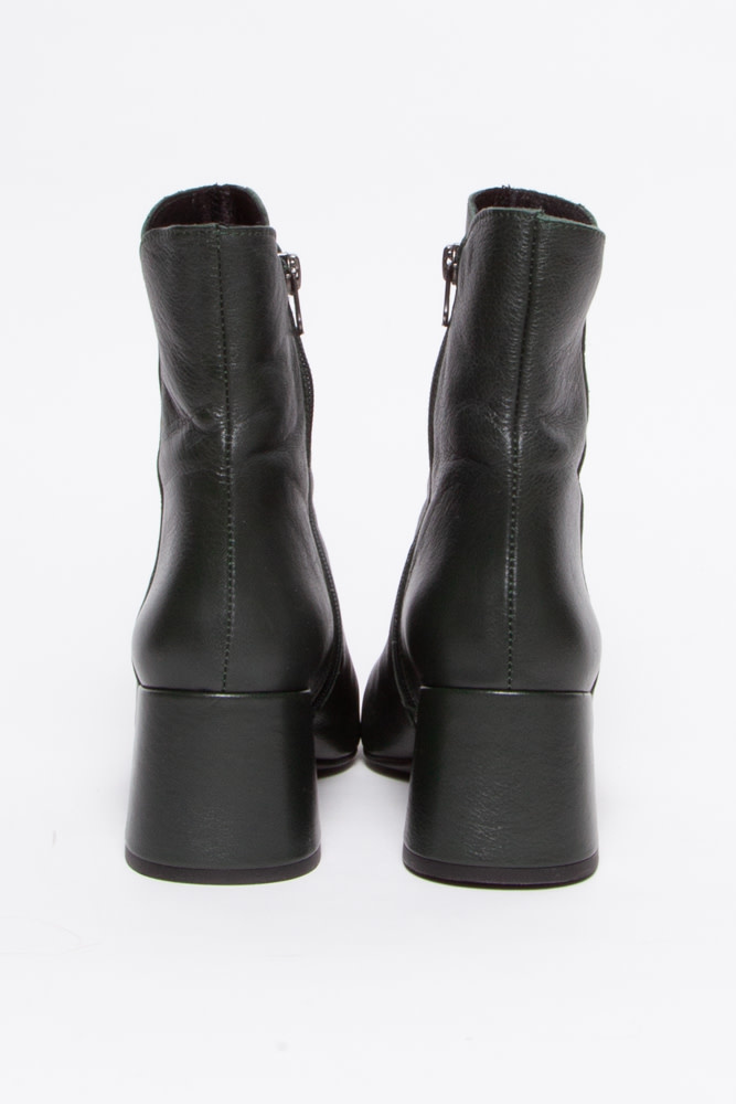 L'intervalle Green Leather Ankle Boots