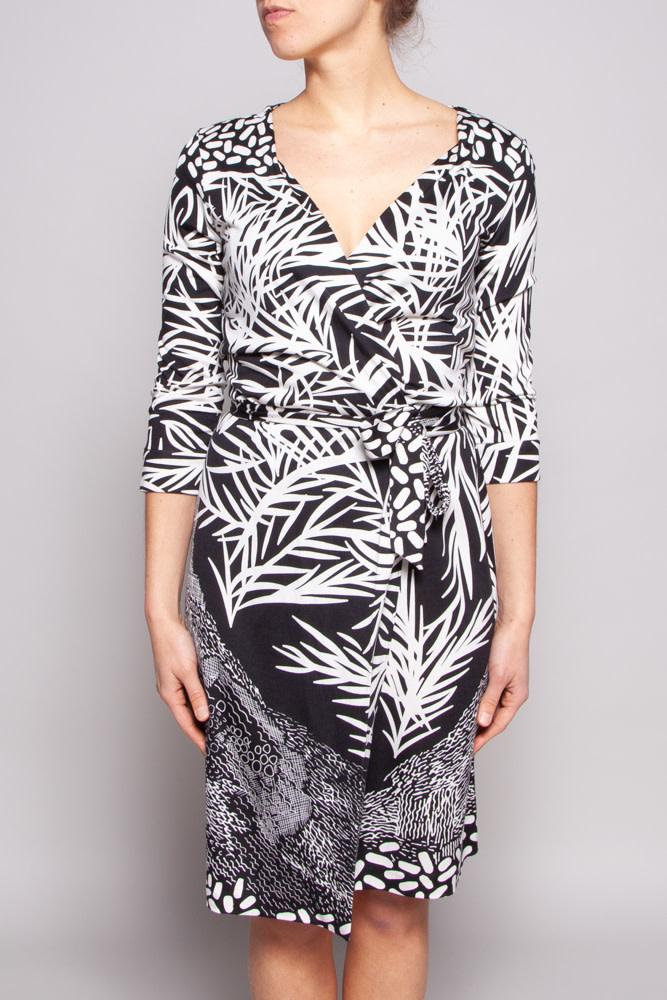 Diane von Furstenberg BLACK & WHITE SILK WRAP DRESS