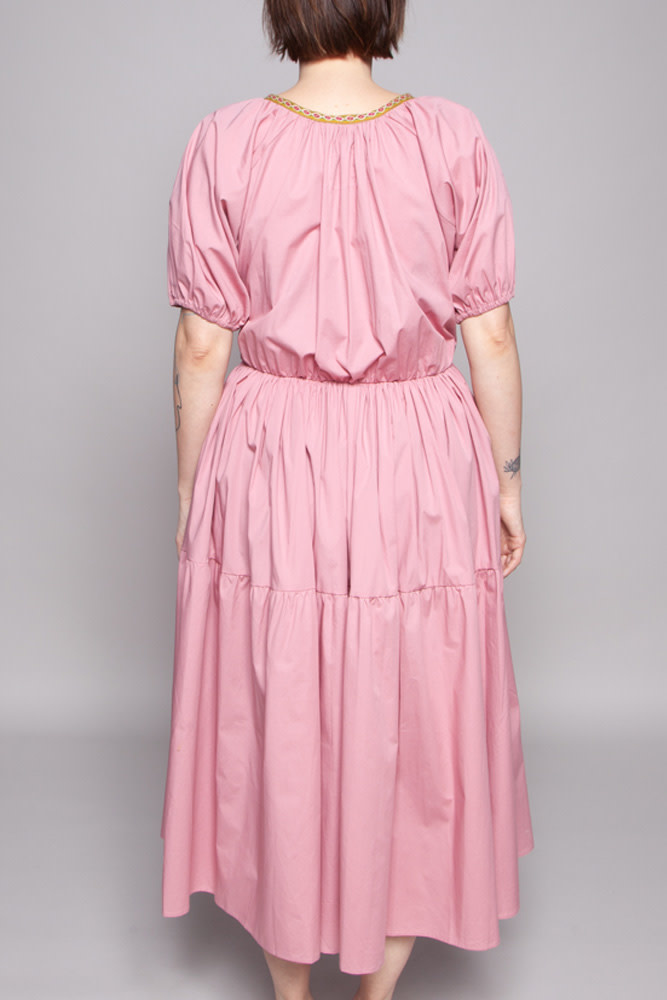 Pitusa Robe rose avec broderies - Neuf (échantillon)