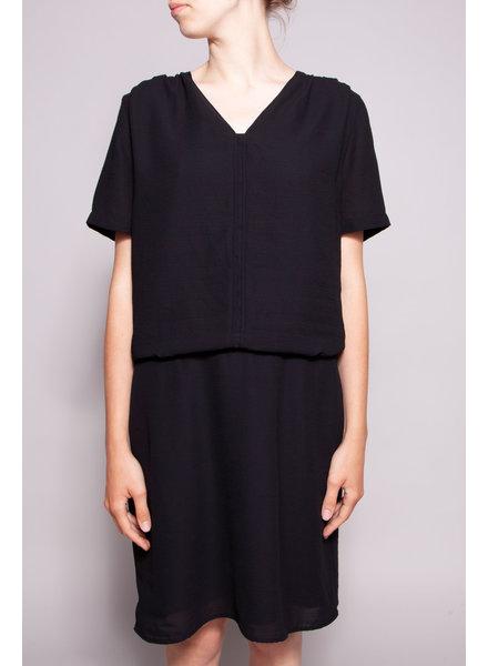 Maison Scotch BLACK DRESS WITH SHORT SLEEVES