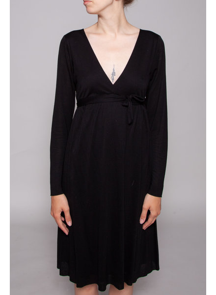 Velvet BLACK DRESS WITH SQUARE COLLAR AND BOW AT WAIST