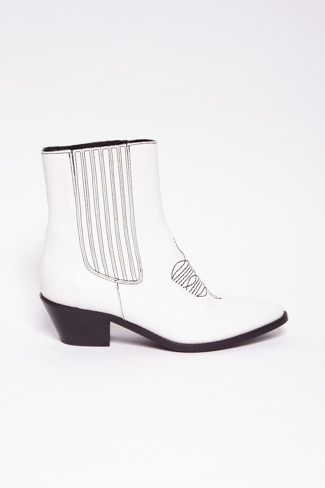 Zadig & Voltaire WHITE LEATHER ANKLE BOOTS WITH BLACK EMBROIDERY