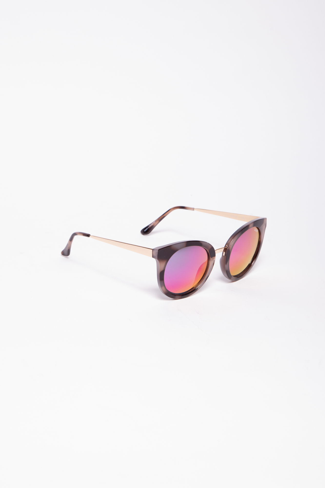Quay Australia MIRRORED GLASSES WITH COLORED REFLECTIONS - NEW