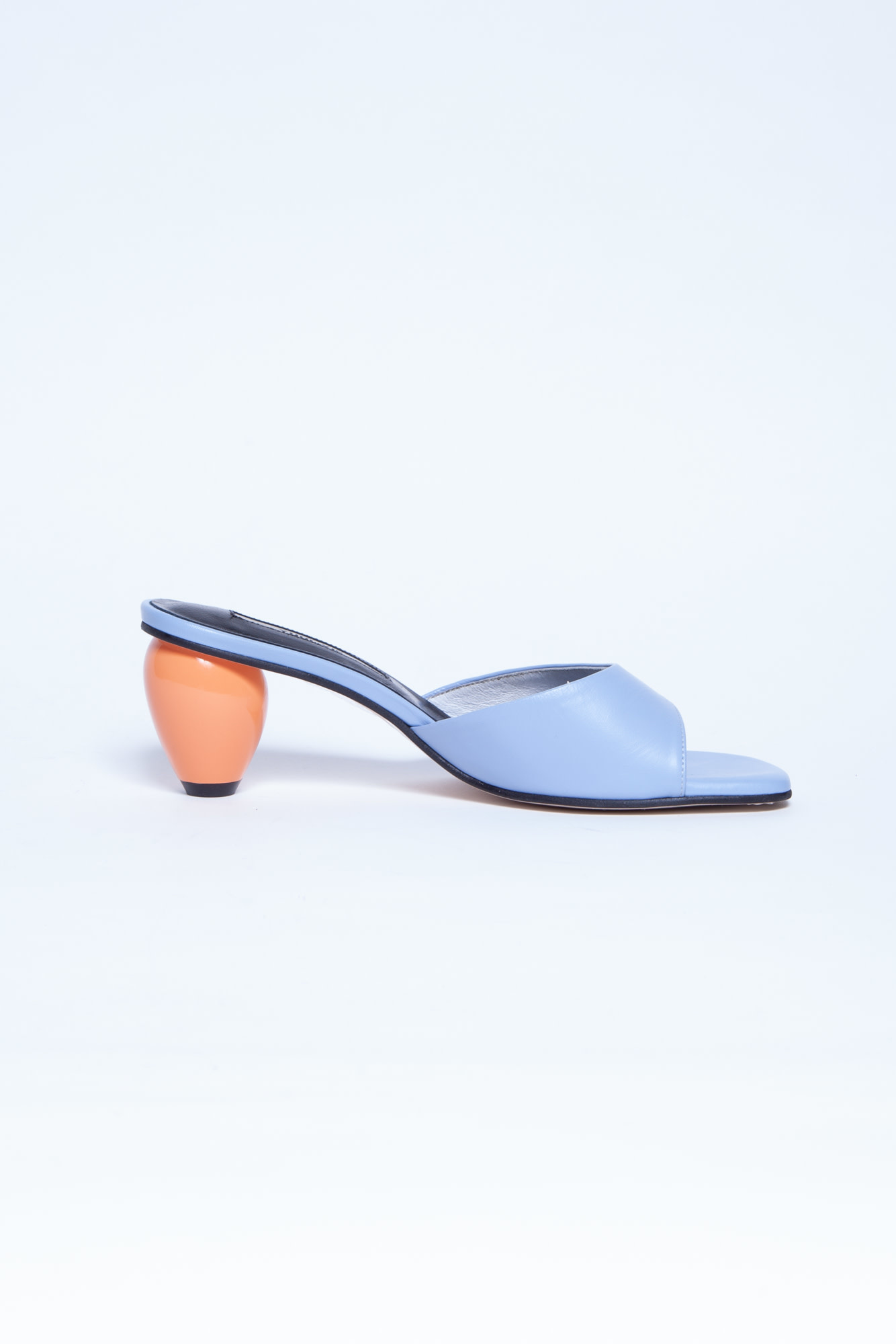 Yuul Yie  BLUE LEATHER SANDALS WITH ORANGE ROUND HEELS