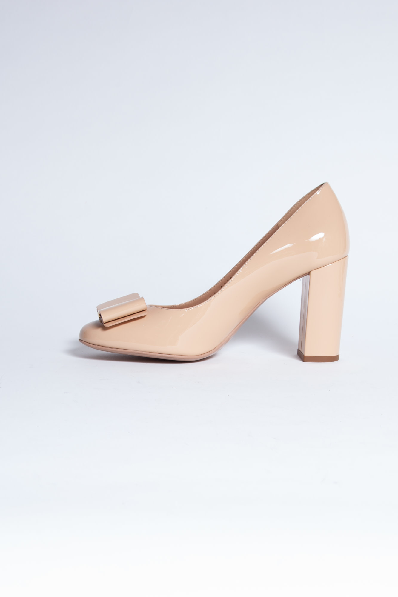 Salvatore Ferragamo BLUSH PINK LEATHER PUMPS WITH KNOT