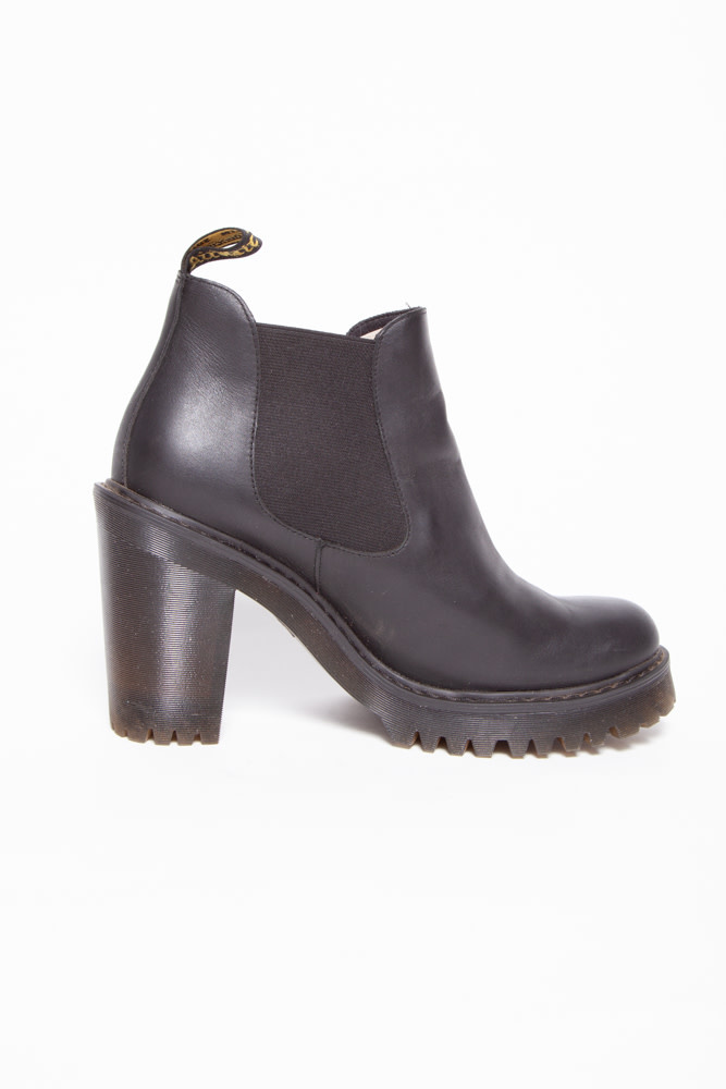 Dr. Martens  BLACK LEATHER BOOTS WITH HEEL