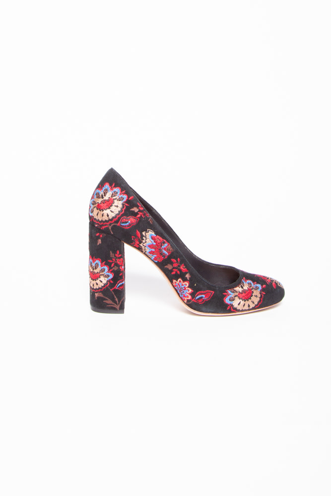 Loeffler Randall  BLACK SUEDE PUMPS WITH EMBROIDERY