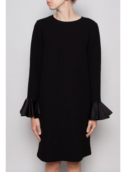 Éditions de Robes BLACK WOOL DRESS WITH TRUMPETS SLEEVES