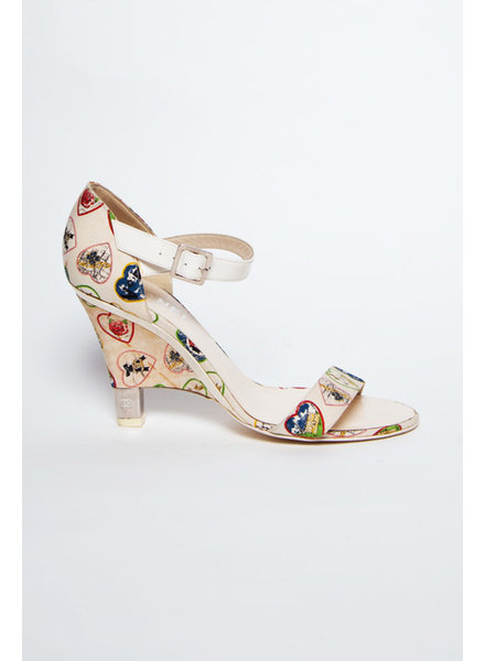 Chanel OFF-WHITE HEART PUMPS