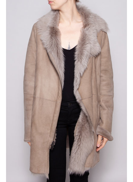 Vince TAUPE SPANISH SHEARLING COAT