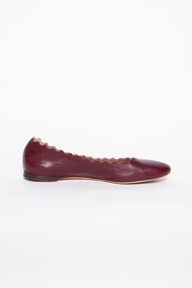 Chloé BURGUNDY SCALLOPED LEATHER BALLERINAS