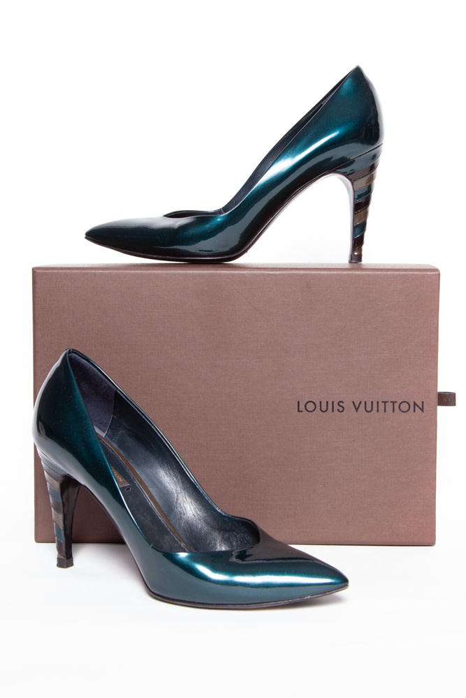 Louis Vuitton EMERALD GREEN PATENT LEATHER PUMPS