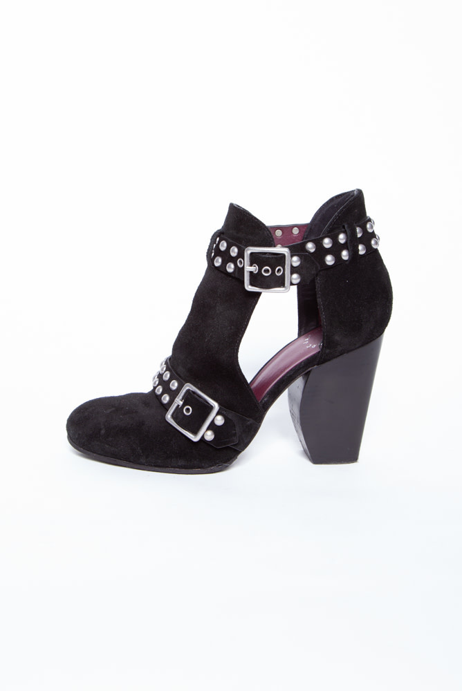 Marc by Marc Jacobs BLACK LEATHER ANKLE BOOTS WITH RIVETS