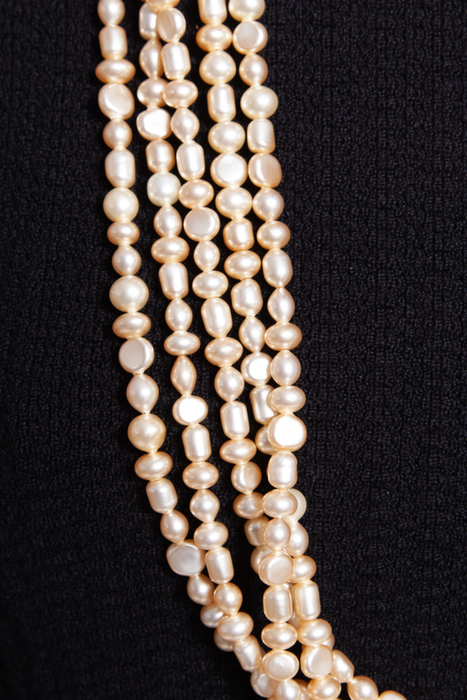 Chanel IVORY WHITE LARGE NECKLACE