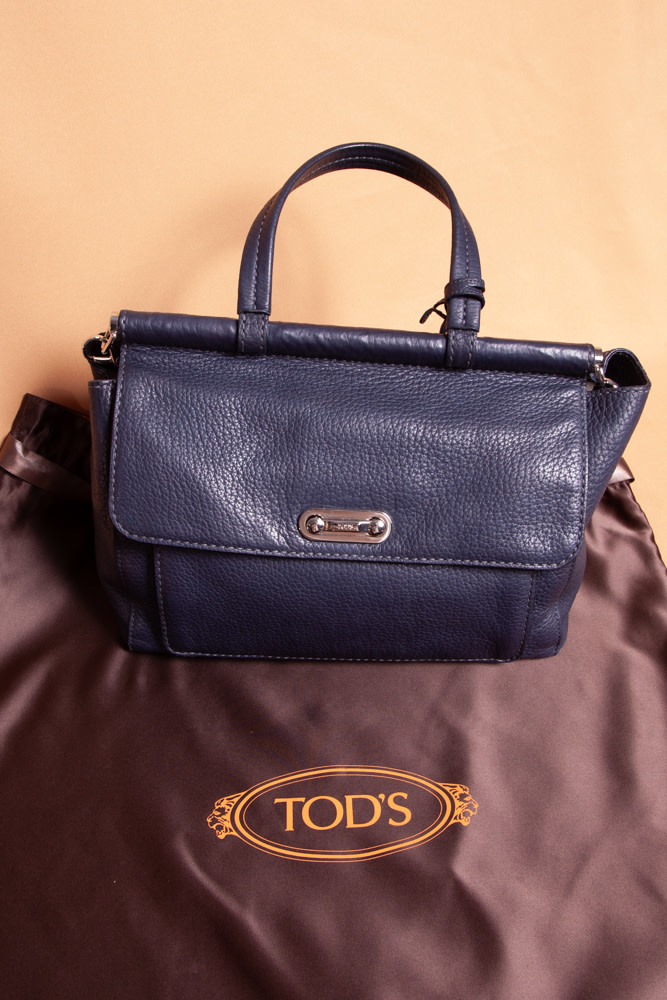 TOD'S NAVY LARGE LEATHER BAG