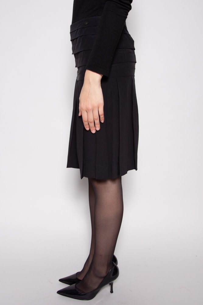 Chanel BLACK SILK PLEATED SKIRT
