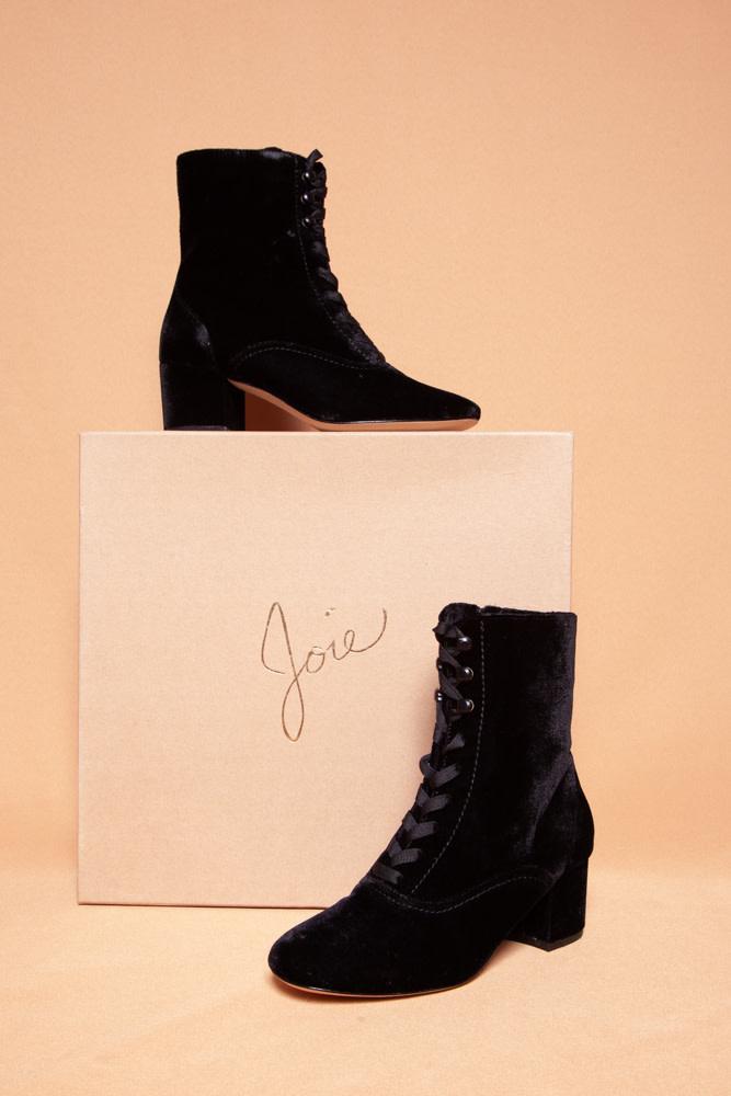 Joie YULIA BLACK VELVET BOOTIES - NEW