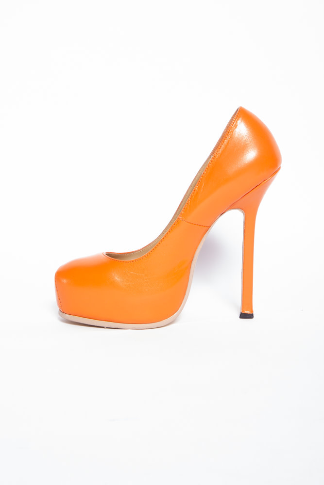 Yves Saint Laurent TRIBTOO ORANGE LEATHER PUMPS