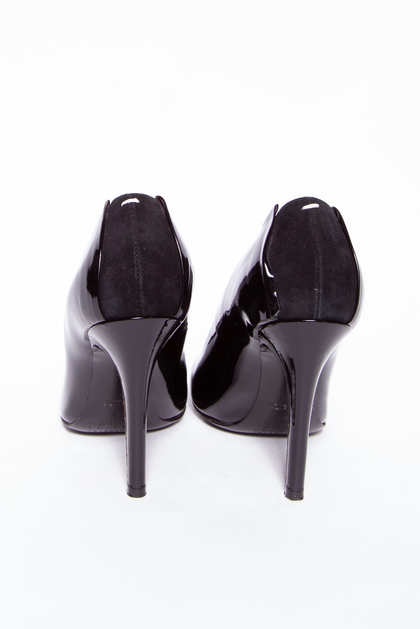 Maison Martin Margiela BLACK PATENT LEATHER PUMPS