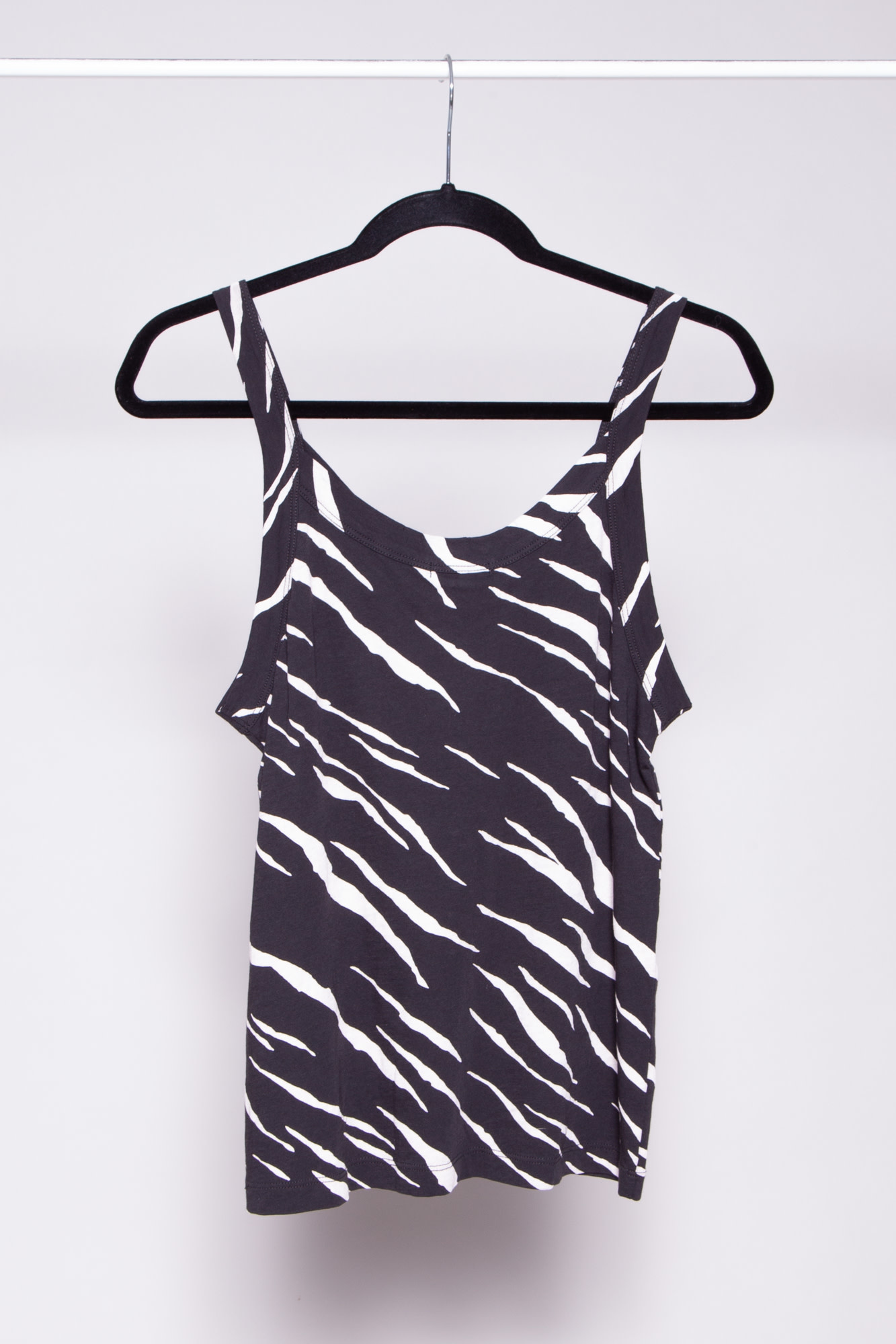 Rails BLACK AND WHITE TIGER STRIPES TOP - NEW WITH TAGS