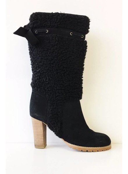See by Chloe BLACK LEATHER SHEEP EFFECT BOOTS
