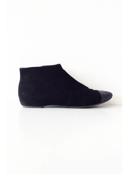 Geox BLACK SUEDE BOOTIES WITH HOLOGRAMS ENDS