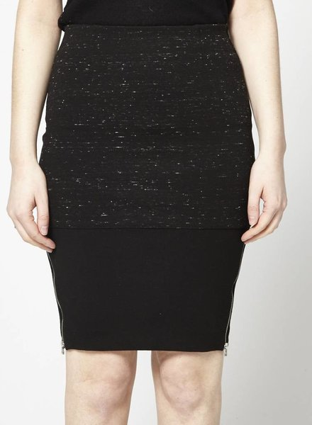 Wilfred BLACK SKIRT WITH ZIPPER AT THE SIDES
