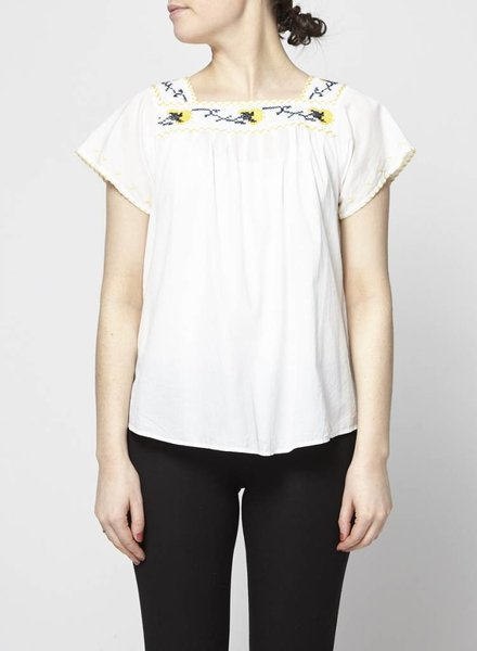 Paul & Joe LOOSE WHITE BLOUSE WITH YELLOW AND BLUE EMBROIDERY