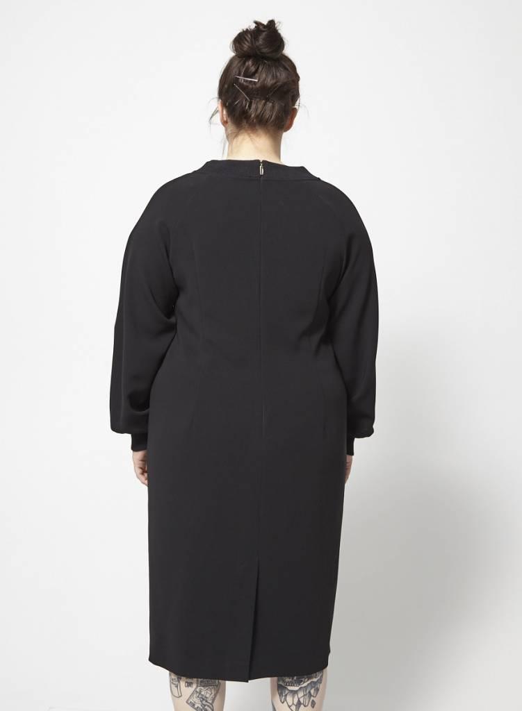 Marina Rinaldi Solde - Robe noire imprimé vert tropical - Neuve