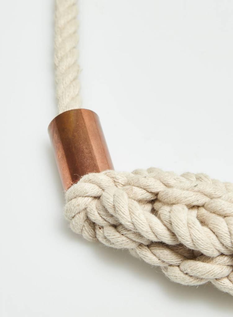 Collier tissé empiècements de cuivre