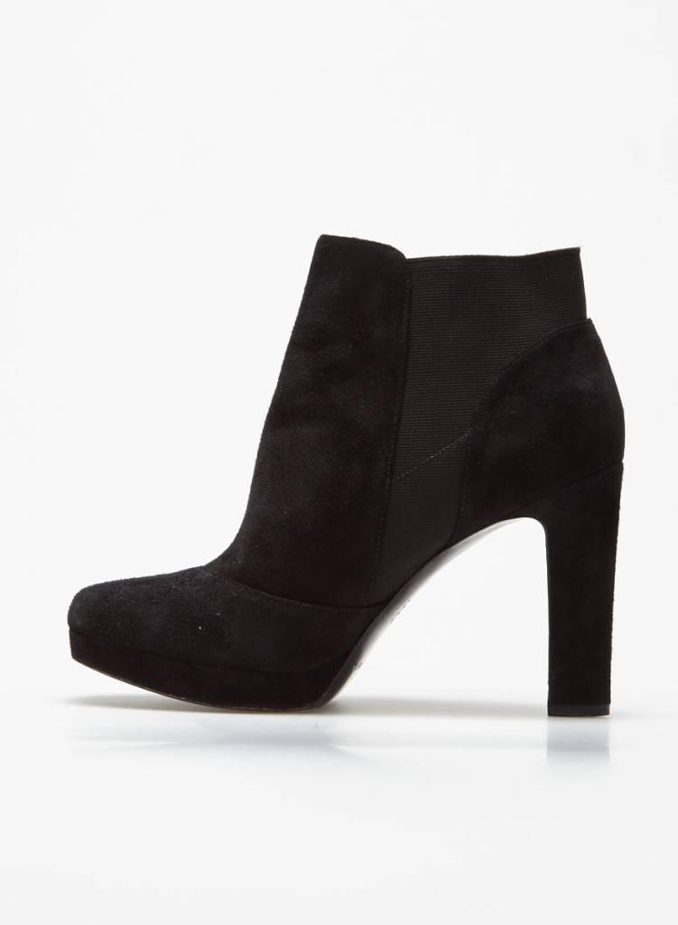 64845d0c9ffcca Via Spiga Sale - Black suede boots - DEUXIEME EDITION