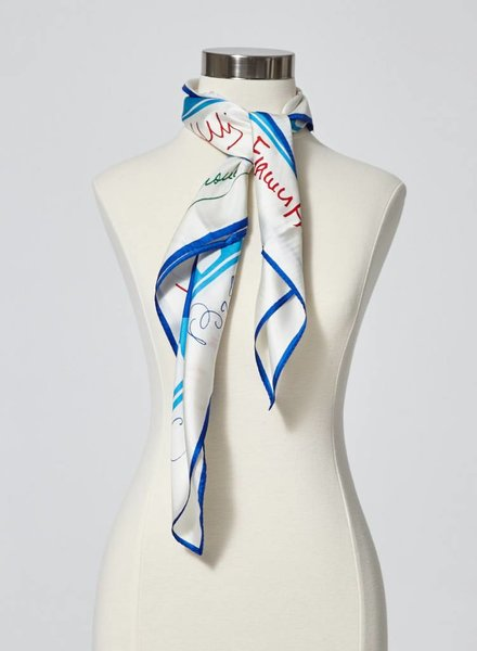 "Designer inconnu ""SMALL BOATS"" CREAM AND BLUE SILK SCARF"