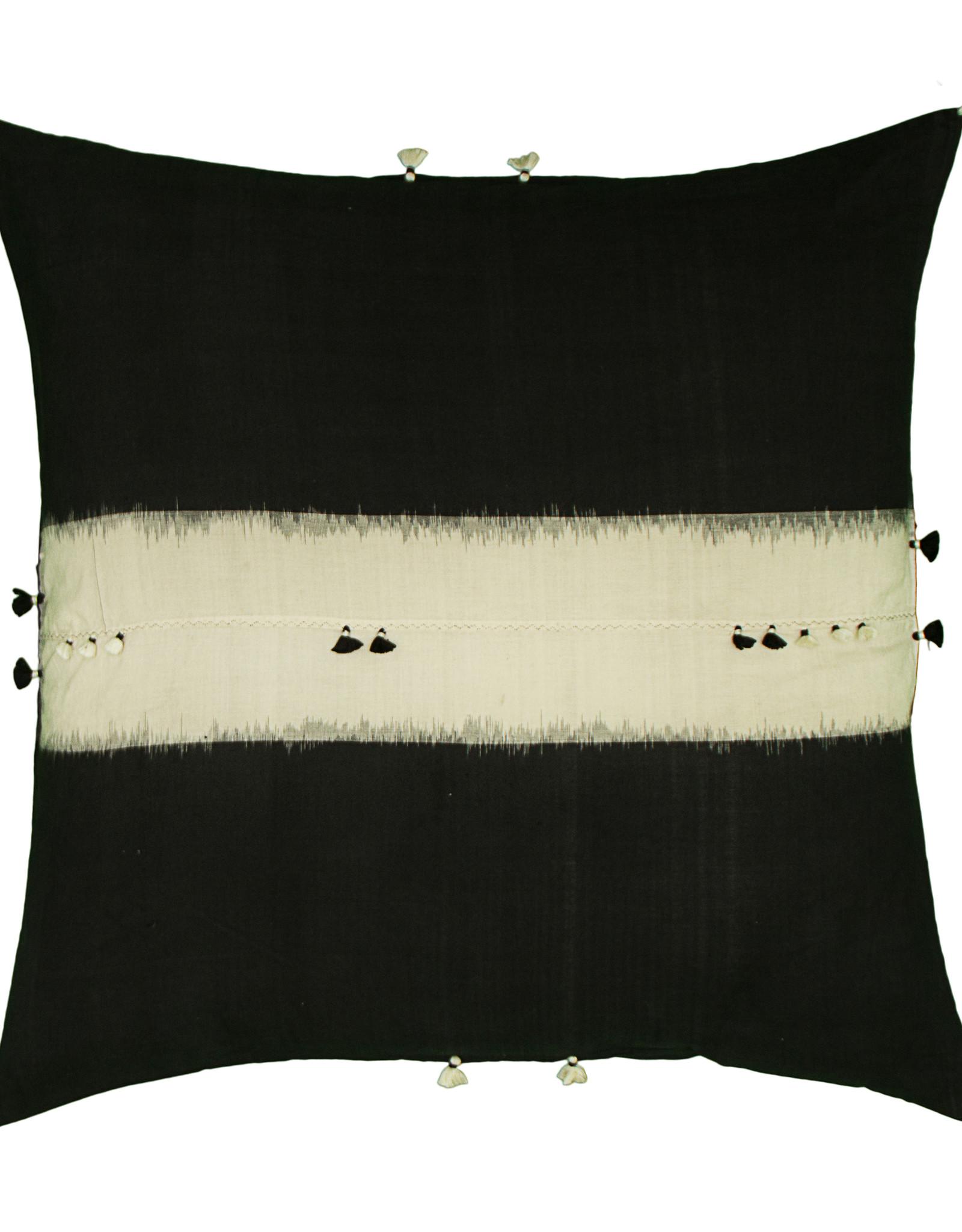 INJIRI Rebari 44 Cushion Cover