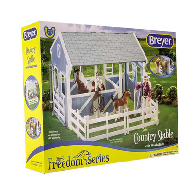 Breyer Country Stable with Wash Stall