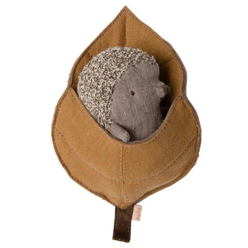 Maileg Maileg Baby Hedgehog in Leaf
