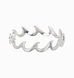 PURA VIDA WAVE BAND RING SIZE 5 SILVER