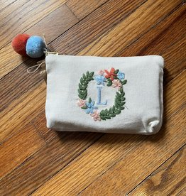 MUDPIE L INITIAL EMBROIDERED POUCH