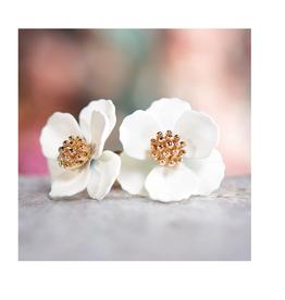 AMANDA BLU SMALL FLOWER EARRINGS IVORY
