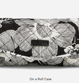 VERA BRADLEY On A Roll Case Bedford Blooms