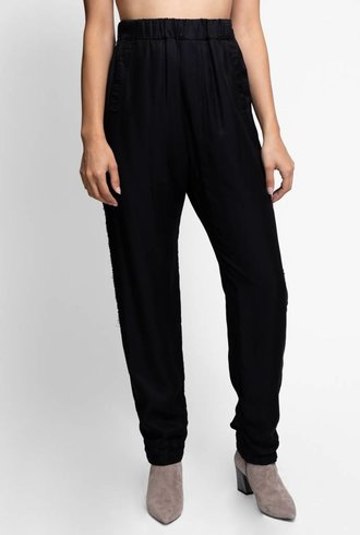 Burning Torch Sjon Pant Black