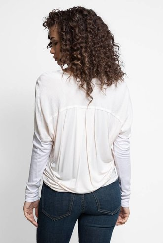 Burning Torch Horizon Long Sleeve V Tee Blush