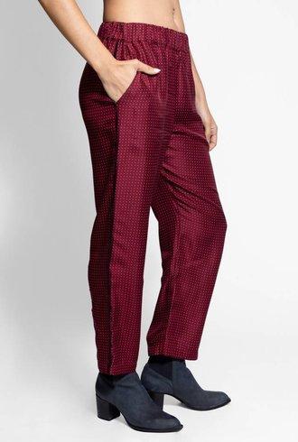 Raquel Allegra Ankle Pant Crimson