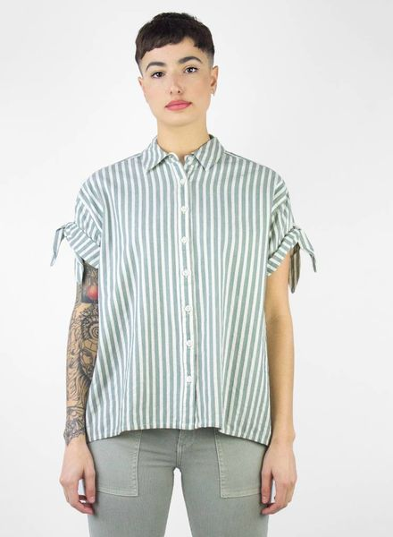 The Great The Tie Sleeve Big Shirt Green Stripe