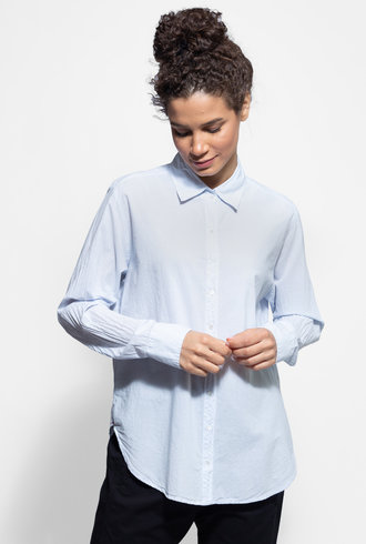 Xirena Beau Shirt Skylight